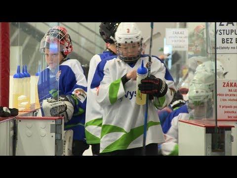 Anglicky, rukama i nohama. V česko-finské škole hokejisté zlepšují hru i cizí jazyk