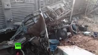 Не менее 32 человек погибли при сходе поезда с рельсов в Индии