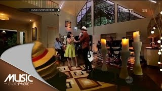 Video Anji feat Astrid - Tentang Rasa (Live at Music Everywhere) * MP3, 3GP, MP4, WEBM, AVI, FLV Mei 2017