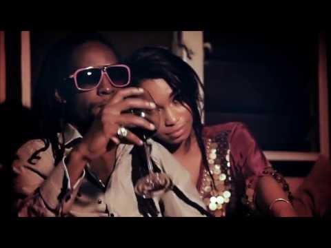 Video B. Royal x Drastic x Jah Cure - Kiss Me Girl ( Music Video) download in MP3, 3GP, MP4, WEBM, AVI, FLV February 2017