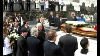 Em pleno dia 13 de maio de 2011, data histórica para a monarquia e para o povo brasileiro, em que se comemoram os 123 anos...