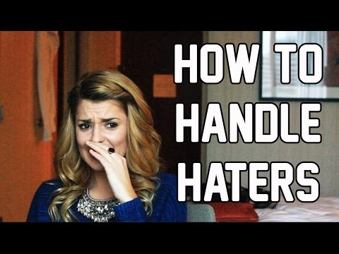 HOW TO HANDLE HATERS // Grace Helbig (видео)