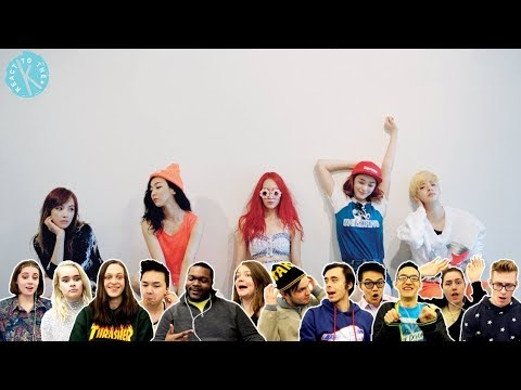 Classical Musicians React: F(x) 'Toy' vs 'Spit It Out' (видео)