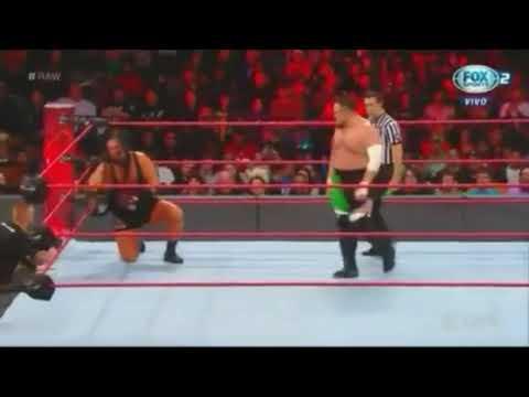 Rhyno vs Samoa Joe : RAW - FOX SPORT - PT BR