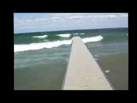 Big Waves VS. DockinaBox Lake Simcoe