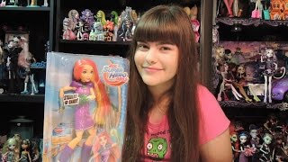 """DC Super Hero Girls Starfire Doll with Solar Burst Review  WookieWarrior23. Unleash your inner hero with the Super Hero action dolls inspired by the new students of Super Hero High! •  Each 12-inch DC Super Hero Girls action doll wears an action-primed outfit that blends iconic elements of the original DC Super Hero character with modern trends that are ready for action! •  Starfire action doll wows in a signature purple and metallic silver look with a silvery jeweled belt, purple boots and her long red hair •  Iconic Super Hero accessories include her """"jeweled"""" wrist cuffs and shoulder armor, plus a translucent solar burst she can hold in her hand! •  Collect all of the DC Super Hero Girls action dolls for a full class attendanceWe are a family of toy collectors! Our videos include toy reviews, costumes, cosplay, tutorials, challenges, blind bags, vlogs, toy hunts, and stop motion videos. Drusila and Nessy love all things Monster High, plus Vamplets, Zelfs, Disney, Play Doh, and Funko. Daddy loves anything Lego, and he does a regular Daddy's Toy Hunt series. We're fun and goofy and a little bit crazy, and we like to give truthful opinions of the toys we review. We love sharing our videos with viewers around the world! Monster High Boo York Boo York Reviews Playlisthttp://youtu.be/HlvjVYoQhqIChallenges Playlist:https://www.youtube.com/playlist?list=PL3waLuL3Pk2-gULcDcrmeN6NttkR8uRJ5Toy Hunting Videos Playlisthttps://www.youtube.com/playlist?list=PL3waLuL3Pk29xpmZsloUgB81q88B1pTnUDrusila Talks About Vlogshttps://www.youtube.com/playlist?list=PL3waLuL3Pk2-zLjg_AflX4vKoX5QmGlkGBlind Bags Fever Videoshttps://www.youtube.com/playlist?list=PL3waLuL3Pk29gdX71OkFPzInCTjv44bKGMonster High Halloween Costumes and Cosplayhttps://www.youtube.com/playlist?list=PL3waLuL3Pk2_2WP4hKQ8_dpXaZVlSN4U9Monster High SDCC Exclusive Dolls Reviewshttps://www.youtube.com/playlist?list=PL3waLuL3Pk28sle3rpHRgsT8uGCe7aSr1Custom Dolls Videos https://www.youtube.com/playlist?list=PL3waLuL3Pk2-40nNY"""