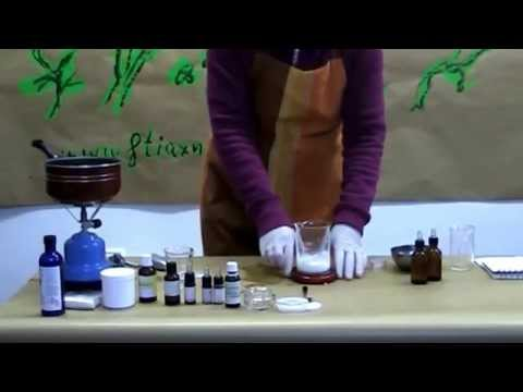 Βιολογική κρέμα προσώπου με υαλουρονικό οξύ