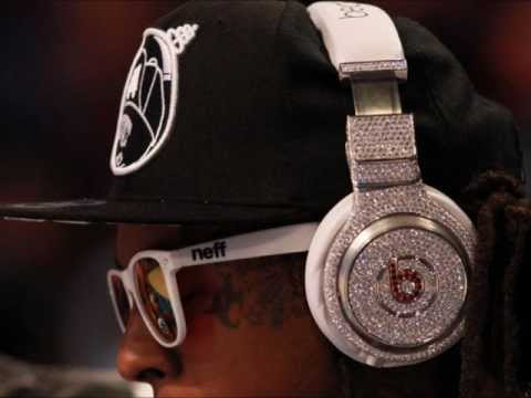 Lil Wayne Listens To Beats!.  August 2012