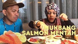 Video Mukbang Salmon Mentah, Buah Zaitun Pahit, Gen & Halilintar-Challenge-Cameraman by Qahtan Halilintar MP3, 3GP, MP4, WEBM, AVI, FLV Februari 2019