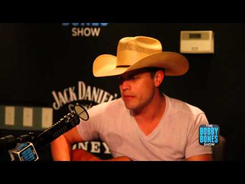 Dustin Lynch covers Bruno Marrs
