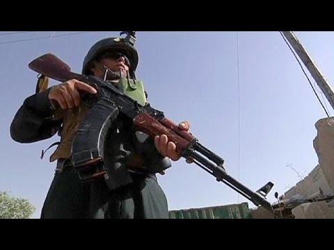 Αφγανιστάν: Επιθέσεις αυτοκτονίας των Ταλιμπάν με τρεις νεκρούς αστυνομικούς