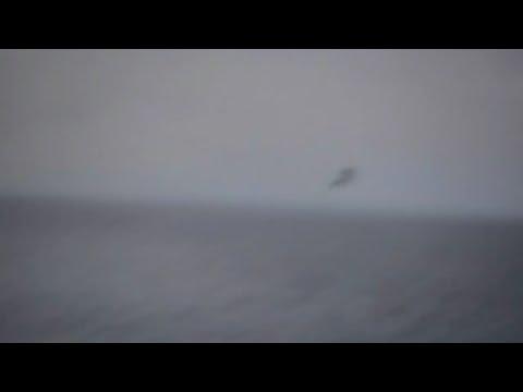 ufo cade in diretta nel mar mediterraneo: il filmato è assurdo!