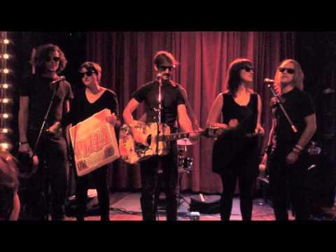 Macauley Culkin is in a Band? Watch!