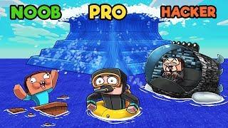 Minecraft - TSUNAMI BASE CHALLENGE! (NOOB VS PRO VS HACKER)