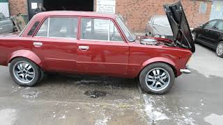 Fiat 125p z silnikiem V8 od Forda Mustanga. Brzmi pięknie