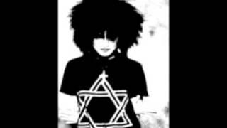 Siouxsie & The Banshees- Hong kong garden - YouTube