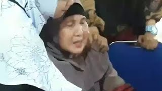 Video Anak Semata Wayangnya Jadi Korban Lion Air JT610, Ibunda : Dia Tempat Curahan Hati Saya MP3, 3GP, MP4, WEBM, AVI, FLV November 2018