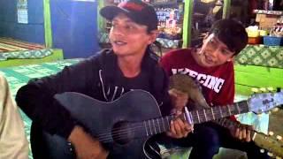 Pengamen Sunda Hebat: Runtah-Doel Sumbang by Rian, Ega, Dian, Jali