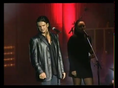 Ricardo Arjona video El Mesías - Teatro Gran Rex 2003