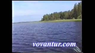 Путешествуя на паруснике по Селигеру и Верхневолжским озёрам надо же чем-то заниматься. Как не рассказать анекдот. Один из них случайно записали на камеру. Смотритеhttp://vovantur.com/turistskiy-yumor/
