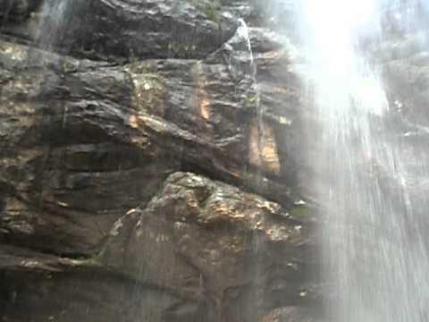 Cachoeira do Tempo Perdido - Capivari, Serro\MG [ninhodospintassilgos.blogspot.com]