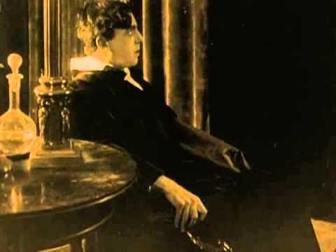 """Анонс фильма Е. Бауэра """"После смерти"""", который будет показан в рамках цикла """"Книжный юбилей с Дм. Быковым"""""""