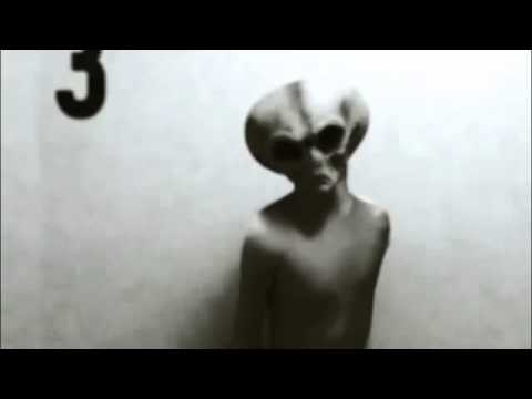 SUPER SHOCKING ALIEN CAPTURED ON VIDEO!! ALIEN FOOTAGE LEAKED 2013