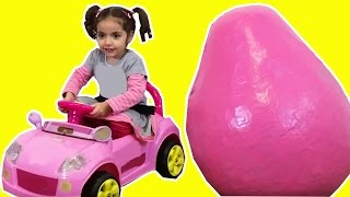 GIANT PINK SURPRISE EGGS Electric Ride On Car Theme Park Super Kinder Egg Unboxing