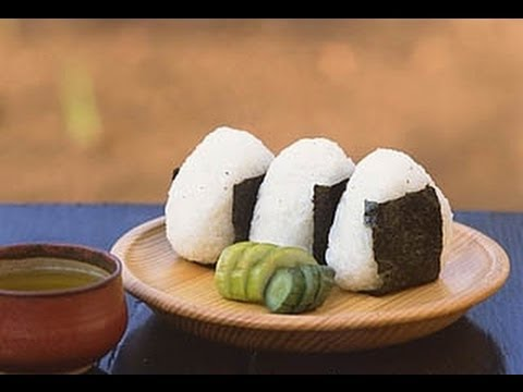 onigiri - If any of you are having hard time to make triangle shaped onigiri, this video might be help? I used Japanese short grain rice (regular sticky rice, sushi ri...
