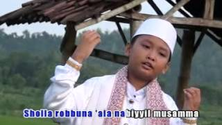 Rofi - Sholla Robbuna [Official Music Video]