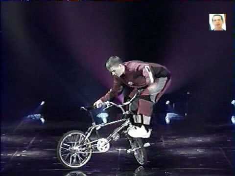 BMX flat tricks INDOOR (видео)