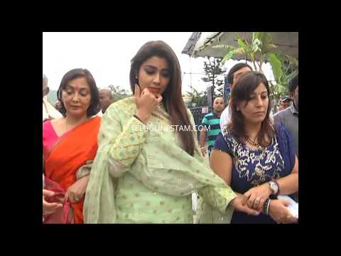 Telugu Actress Shriya saran in Tirumala exclusive video