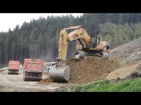 Caterpillar CAT 375 ME Loading Trucks