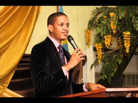 Opérer  sous l'onction avec le prophète Joël Francis Tatu