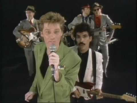 Hall And Oates Sings Broken Bells