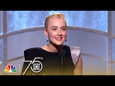 Saoirse Ronan Wins Best Actress in a Comedy at the 2018 Golden Globes (видео)
