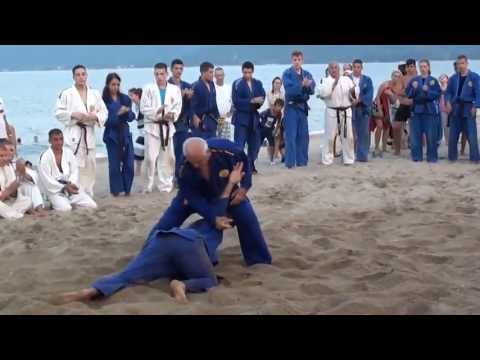 Best self-defense in the sand on the beach-REAL AIKIDO!!! видео
