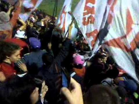 Entrada De La Hinchada Mas Popular (BOMBOS Y GENTE) Newells - La Hinchada Más Popular - Newell's Old Boys