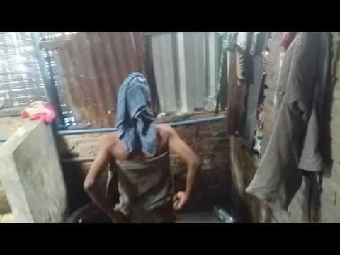 gratis download video - Ngintip-cewek-kampung-mandi
