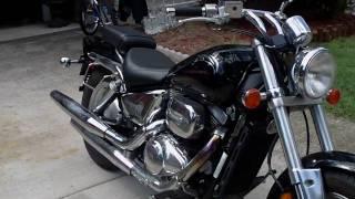 10. 2000 Suzuki Marauder vz800