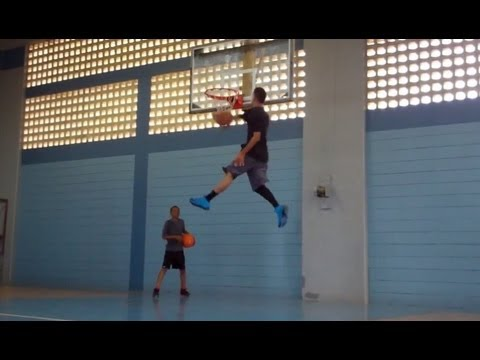 rô - http://www.jumpusa.com/slam_dunk_secret This one exercise adds 3-5 inches to Your Vertical Jump IMMEDIATELY. Both are 6'1