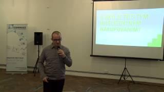 Foto z akcie BarCamp Bratislava prednáša Matúš Kollár.