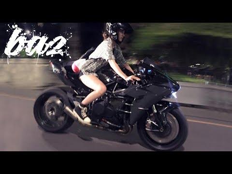 Kawasaki Ninja H2R Drift nẹt pô nóng đỏ trên đường phố - Thời lượng: 60 giây.