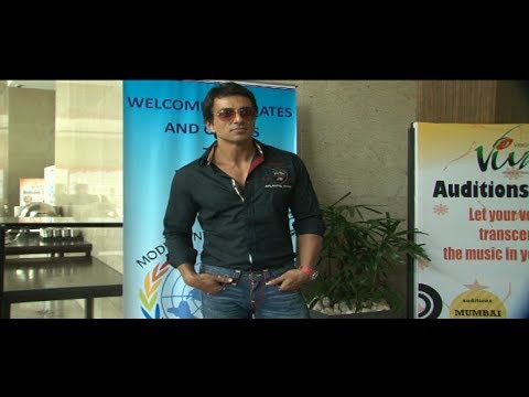Sonu Sood Launch Viva 6 Of Vibgyor School