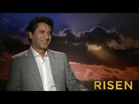 , title : ''Risen' Actor Cliff Curtis on His Month-Long Vow of Silence to Play Jesus'