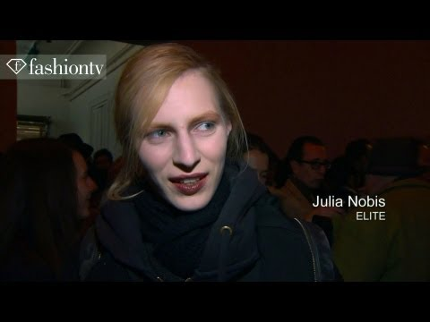 Julia Nobis - Rue Du Mail Fall/Winter 2013-14 FIRST LOOK | Paris Fashion Week PFW http://www.FashionTV.com/videos PARIS - Lips are bordeaux and eyelashes are scarce at the...
