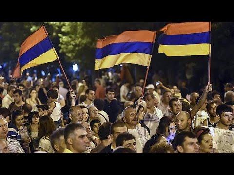 Αρμενία: Έρευνα για την αστυνομική βία στις διαδηλώσεις