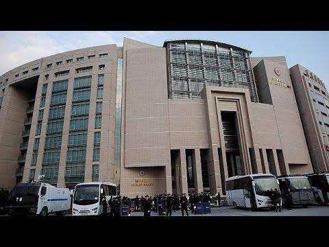 Τουρκία: Νέες συλλήψεις και «μαύρο» σε μέσα ενημέρωσης