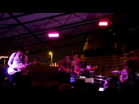 Friendly Fires - Kiss of Life LIVE