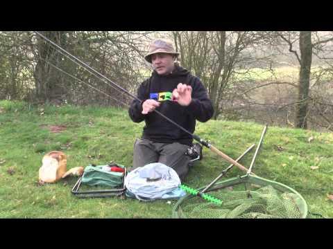 Matt Hayes catches chub on bread (видео)